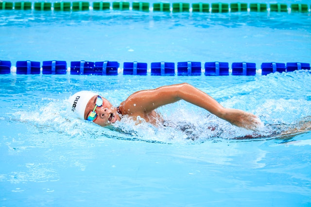 Bescherm je oren tijdens het zwemmen